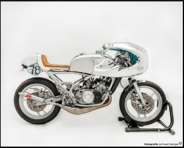 """Yamaha RD350 '84 """"The Cosmic Rider"""" by Heiner Trapp"""